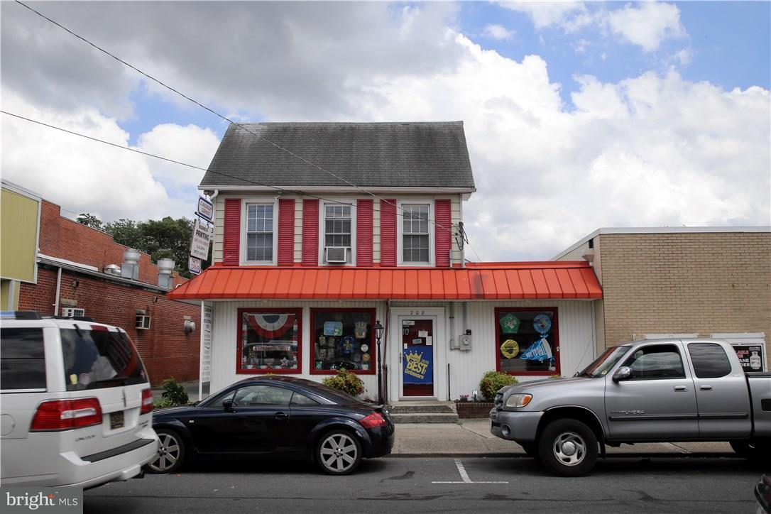 208 Main St   - Best of Northern Virginia Real Estate