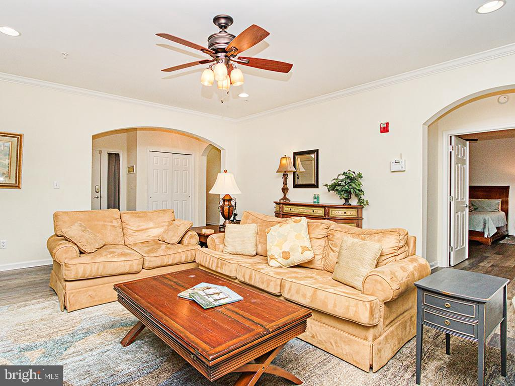 38414 Boxwood Terrace #103   - Best of Northern Virginia Real Estate
